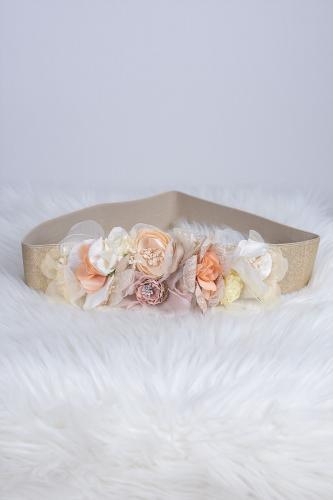 Cinturón de flores beige