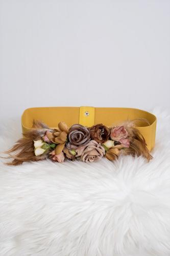 Cinturón de flores mostaza...