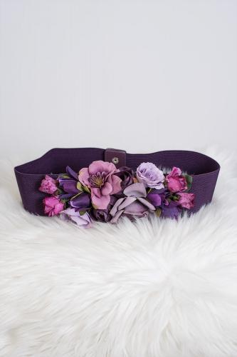 Cinturón de flores en tonos...