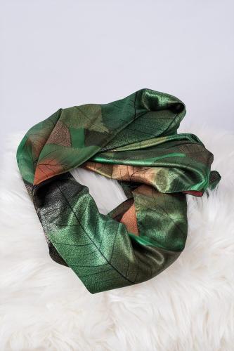 Pañuelo de seda, Hojas Verdes.